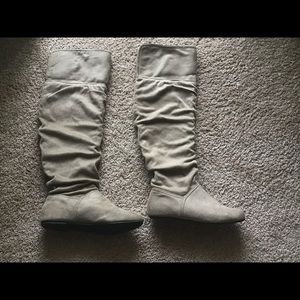 Bakers taupe suede boots